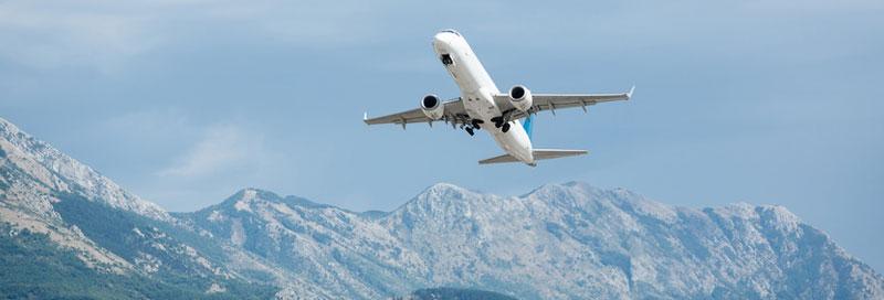 Flugzeug nach Montenegro